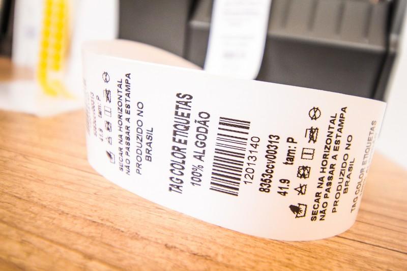Confecção de etiquetas para roupas