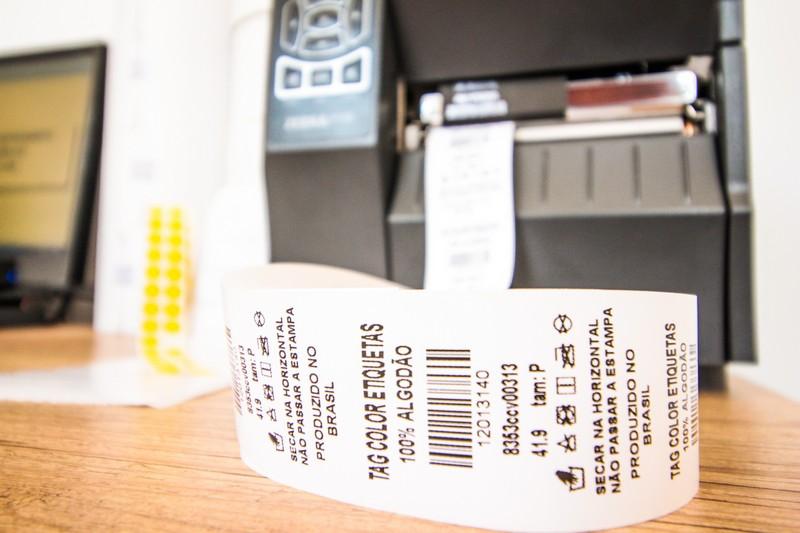 Etiquetas para confecção de roupas